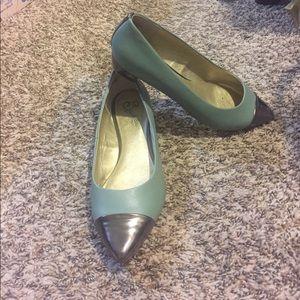 Seychelles Seafoam Green & Metallic Shoes - EUC!